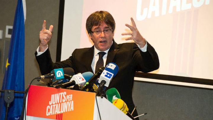 """Puigdemont defiende la escuela: """"Lo que  no venció el franquismo no lo vencerá el 155"""""""