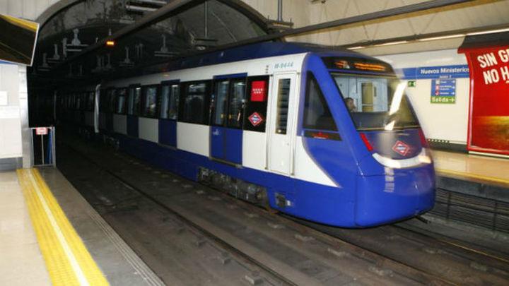 Cortada la circulación en la línea 9 del Metro por un desprendimiento