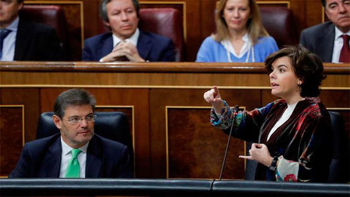 La vicepresidenta acusa a Doménech de hacer campaña por los independentistas