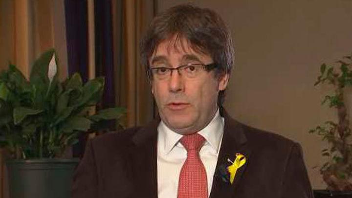 """Puigdemont pide """"no ir más allá"""" con el 155  y defiende que el Govern deshaga los cambios"""