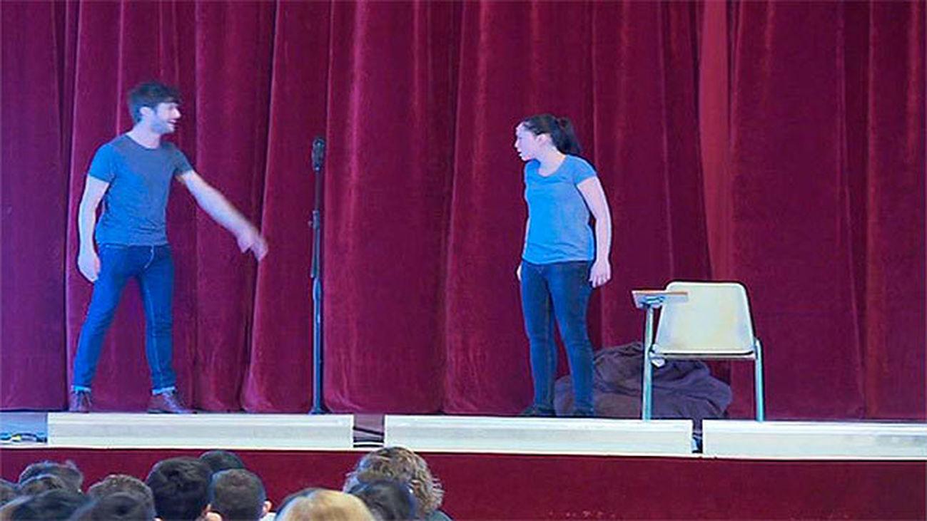 Una obra de teatro sobre Jokin recorre 41 colegios para combatir el acoso