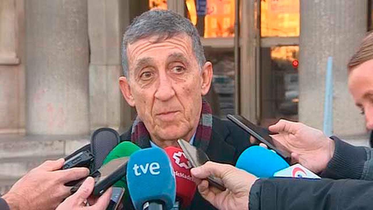 El juez decide el martes sobre la causa contra 3 policías municipales que amenazaron a Carmena