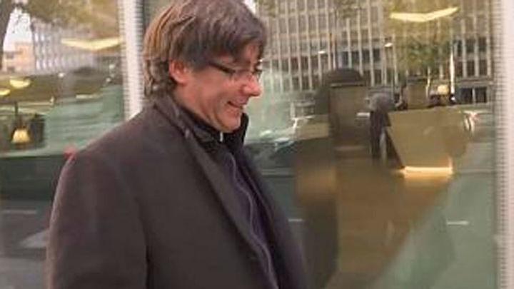 El juez Llarena retira la orden de detención europea contra Puigdemont