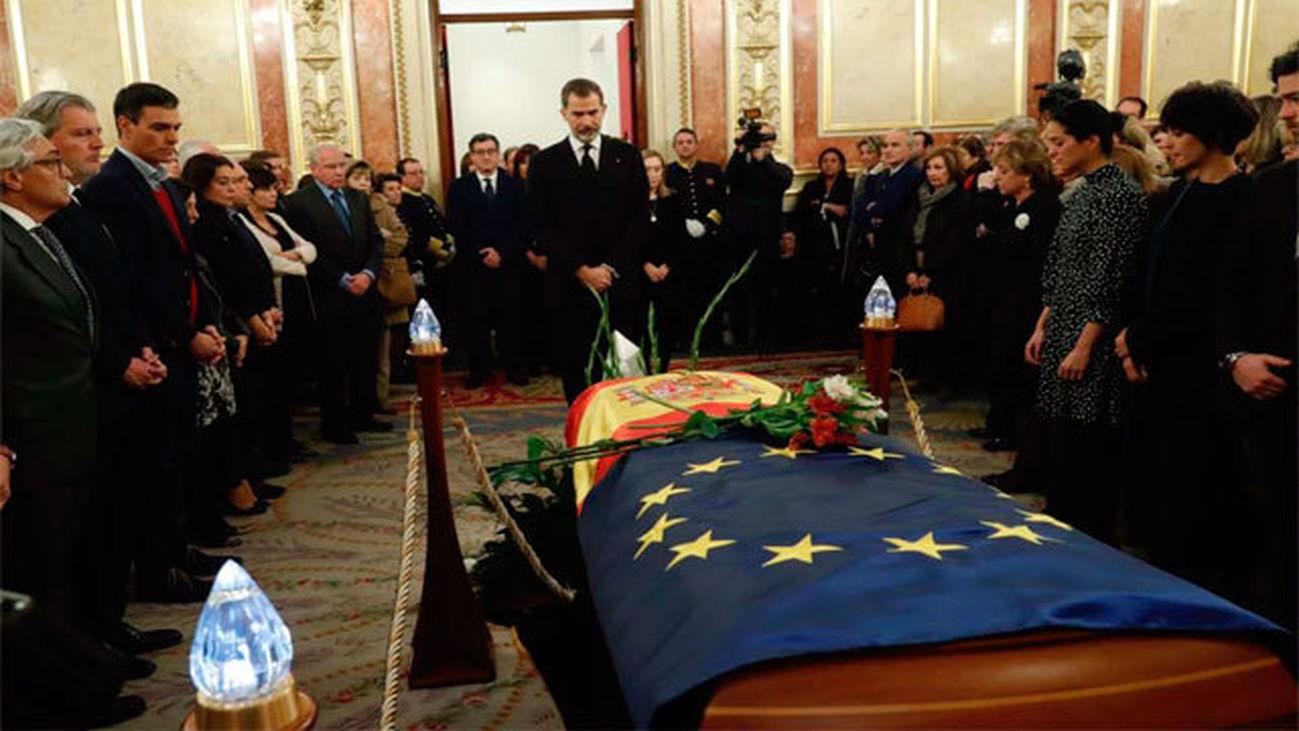 El Rey despide a Manuel Marín en el Congreso