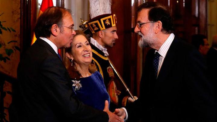 """Rajoy insiste en que está """"plenamente dispuesto"""" a hablar de la reforma de la Constitución"""