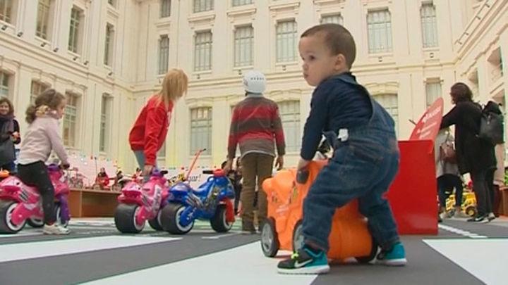 Exposición interactiva en el Palacio de Cibeles con más de 900 juguetes emblemáticos