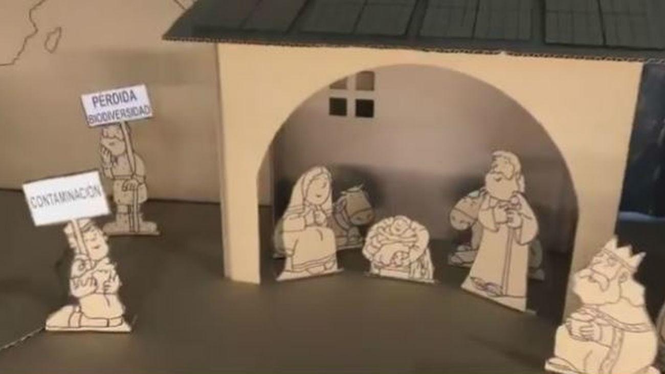 El Belén del padre Angel en la Iglesia de San Antón clama contra la destrucción del medioambiente