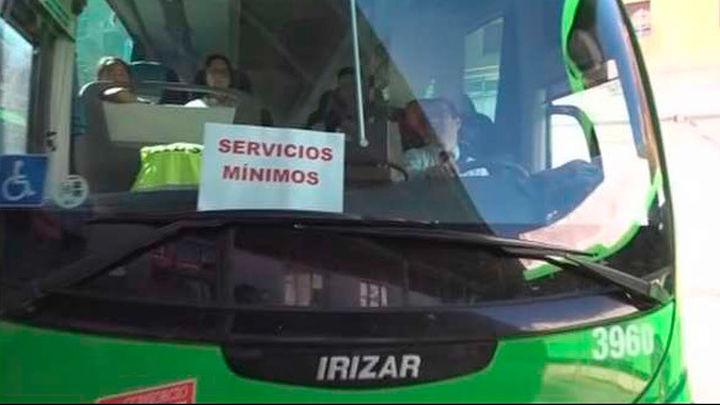 Desconvocan la huelga de autobuses de la sierra oeste tras alcanzar un acuerdo