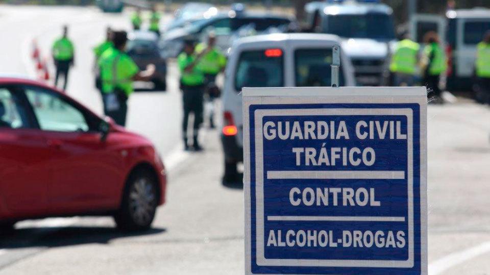 Tráfico hará 20.000 controles de alcohol y drogas al día antes de Navidades
