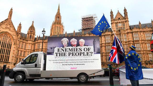 """Protestan contra el """"brexit"""" frente al Parlamento en Londres"""