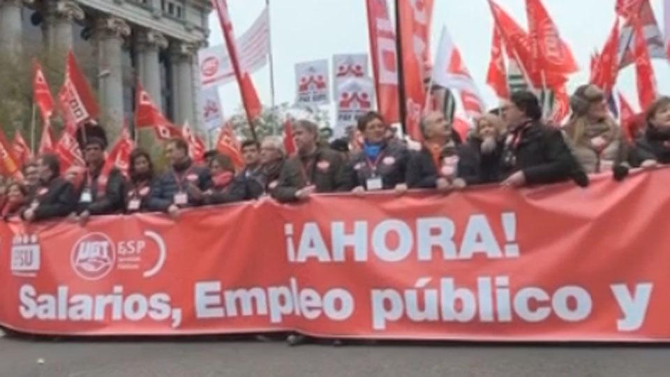 Manifestación de UGT y CC.OO para reinivdicar los salarios de los funcionarios