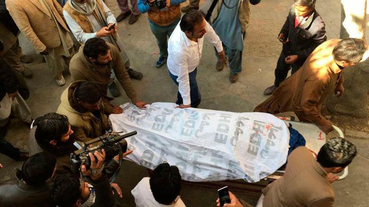 Al menos 9 muertos y 30 heridos en ataque a una iglesia metodista en Pakistán