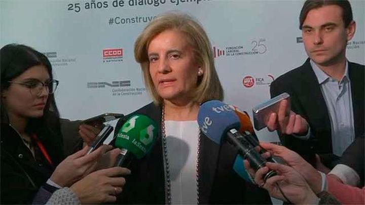 Báñez pide a los grupos políticos que se sumen al acuerdo del salario mínimo