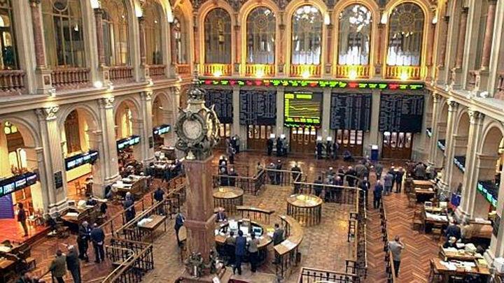 Fitch sube la nota de España a notable tras el limitado impacto de Cataluña