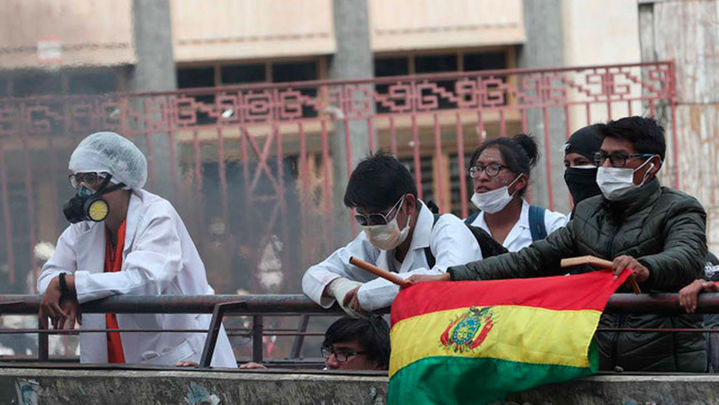 Un mes de choque entre Gobierno y médicos pone en jaque la sanidad boliviana