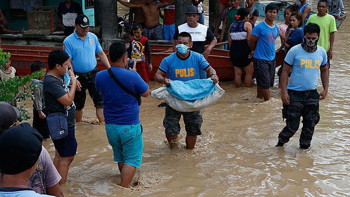 La tormenta Tembin deja al menos 240 muertos en Filipinas