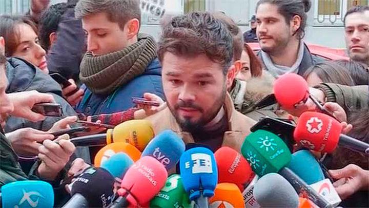 Rufián (ERC) dice que Junqueras es el 'plan B' si Puigdemont no vuelve de Bruselas