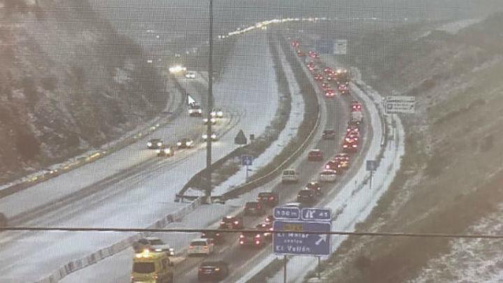 La nieve afecta a 119 carreteras secundarias de España y 27 están cortadas