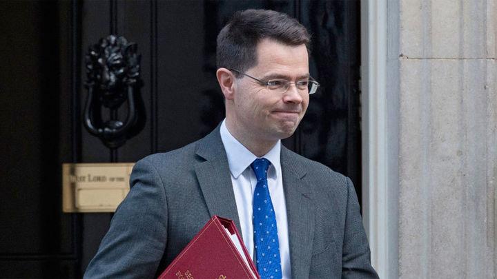 Dimite el ministro británico para Irlanda del Norte