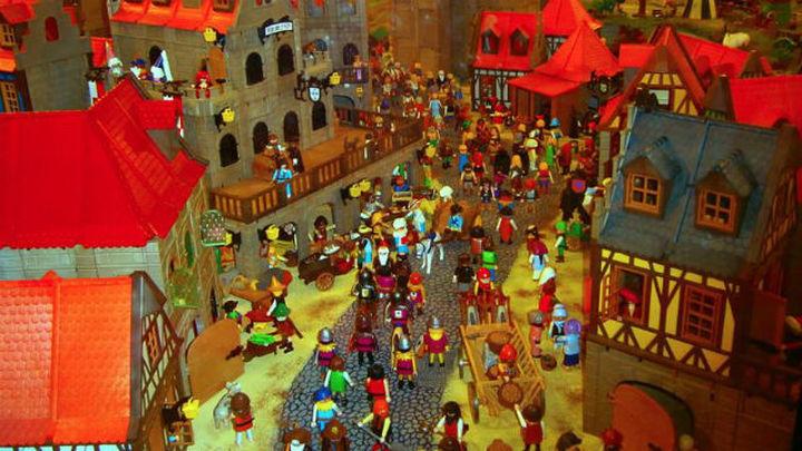 El Mercado del Juguete de Madrid recrea la vida del Medievo con más de mil figuras de playmobil
