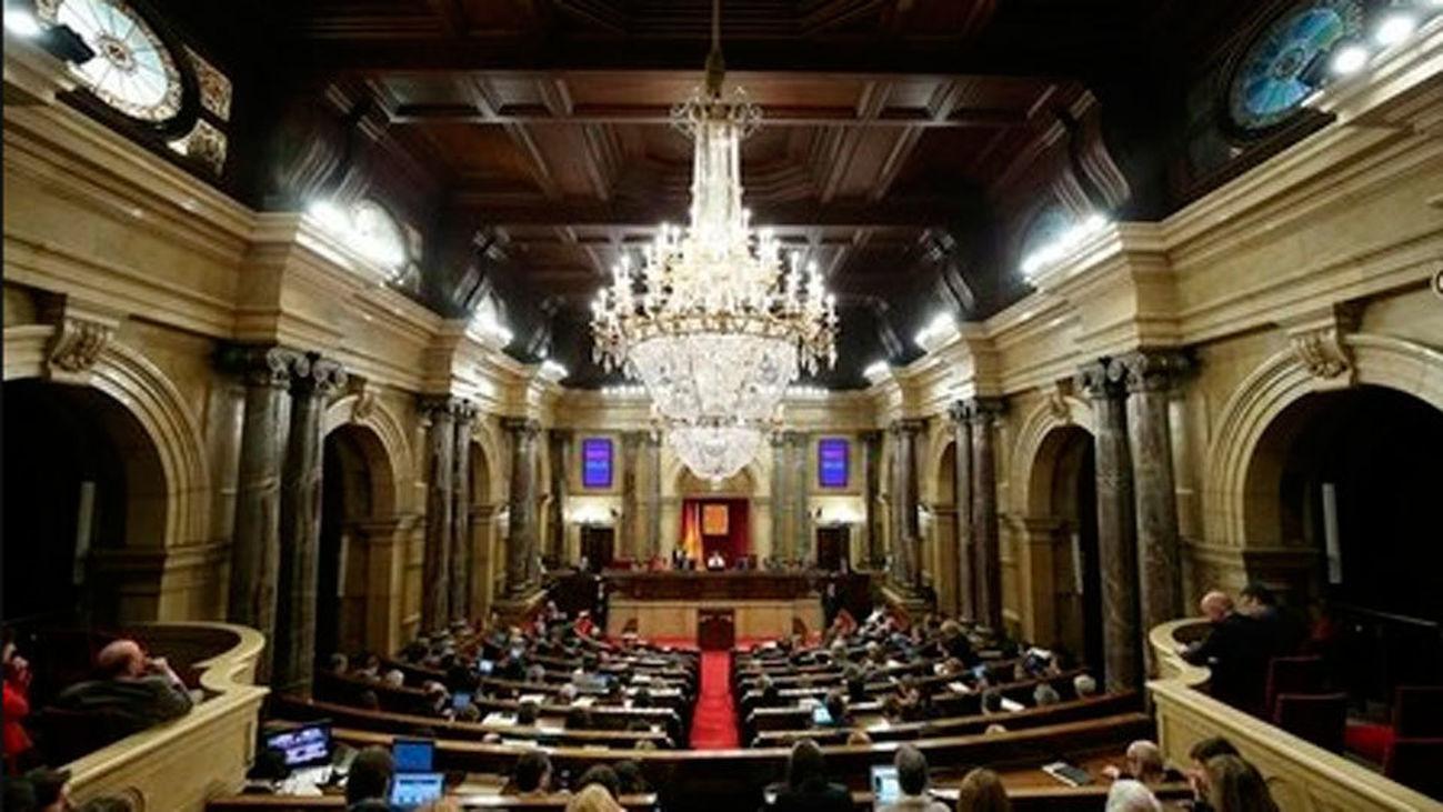 Los diputados electos catalanes encarcelados y los 5 de Bruselas presentan las credenciales