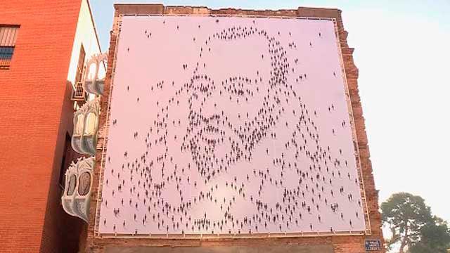 Miguel de Cervantes en un mural de Alcalá de Henares