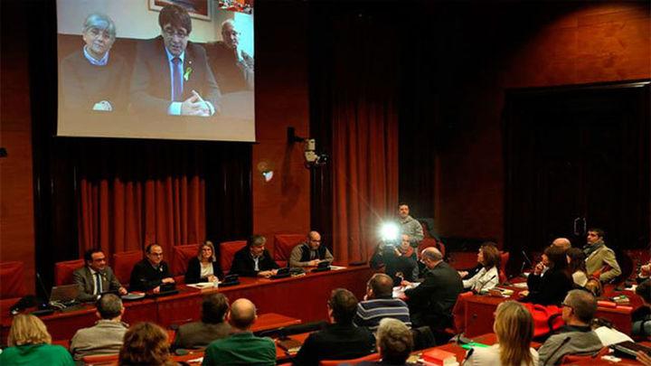 Puigdemont promete la Constitución por imperativo legal al acreditarse como diputado