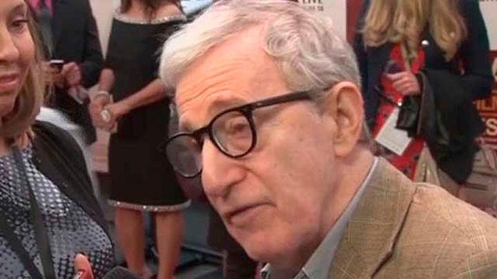 Dylan Farrow acusa a Woody Allen de haber abusado de ella y él la acusa de cinismo