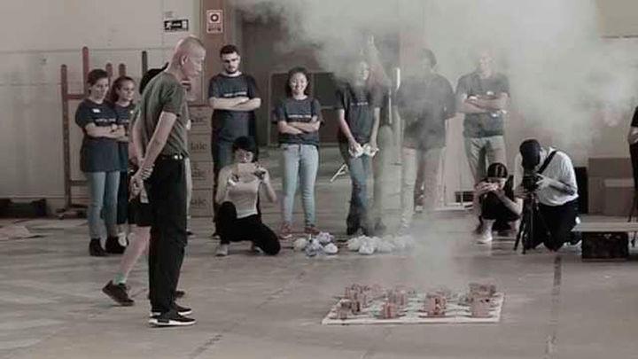 Coixet aborda en un documental  'El espíritu de la pintura' de Cai Guo-Qiang, el artista de la pólvora