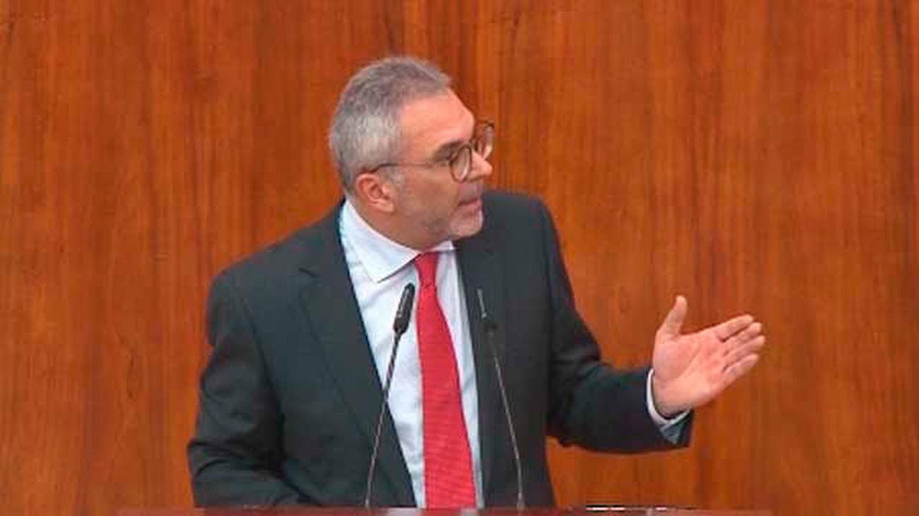 """Carlos Izquierdo pide perdón y asegura  que no quiso decir que un niño pobre """"no sea normal"""""""