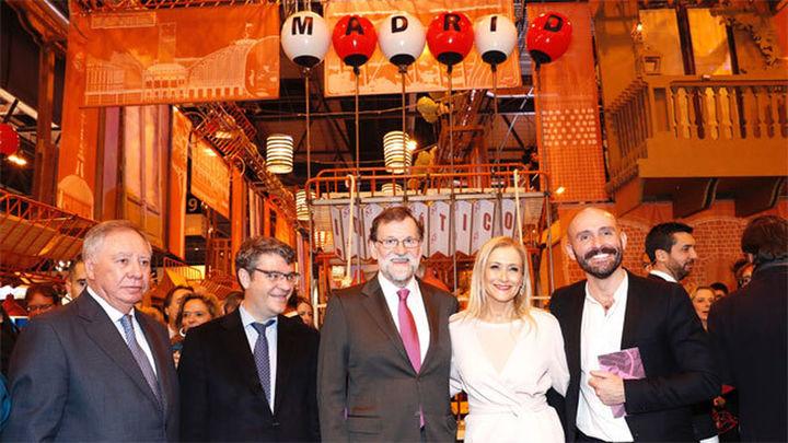 Rajoy degusta vino madrileño y queso majorero en su visita a Fitur