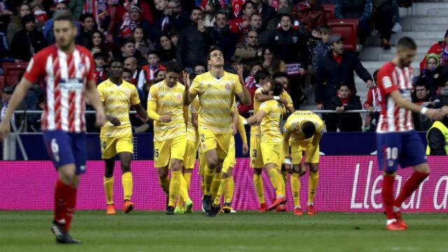 El centrocampista ghanés del Atlético de Madrid, Thomas Partey, controla el balón frente al centrocampista del Girona, Borja Ga