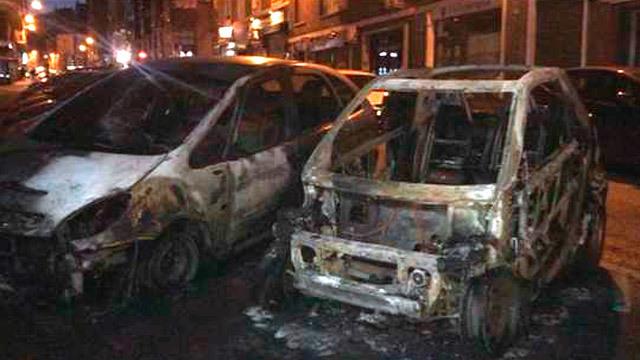 Coches quemados en el barrio Guindalera