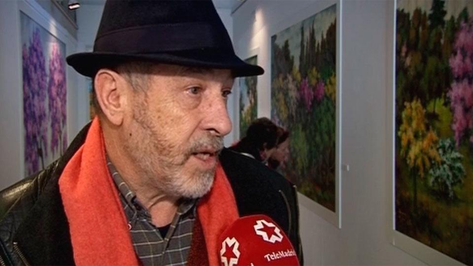 Un profesor jubilado y pintor aficionado cumple su sueño de exponer en la Casa de Vacas