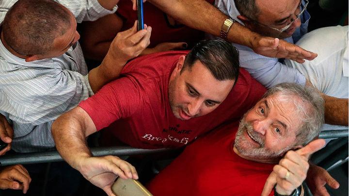 Lula es ya candidato del PT y pide continuar ante una eventual inhabilitación