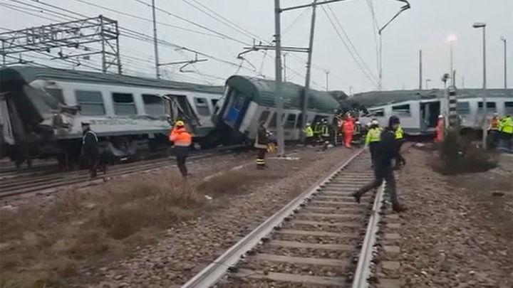 Tres muertos y decenas de heridos tras descarrilar un tren en Milán