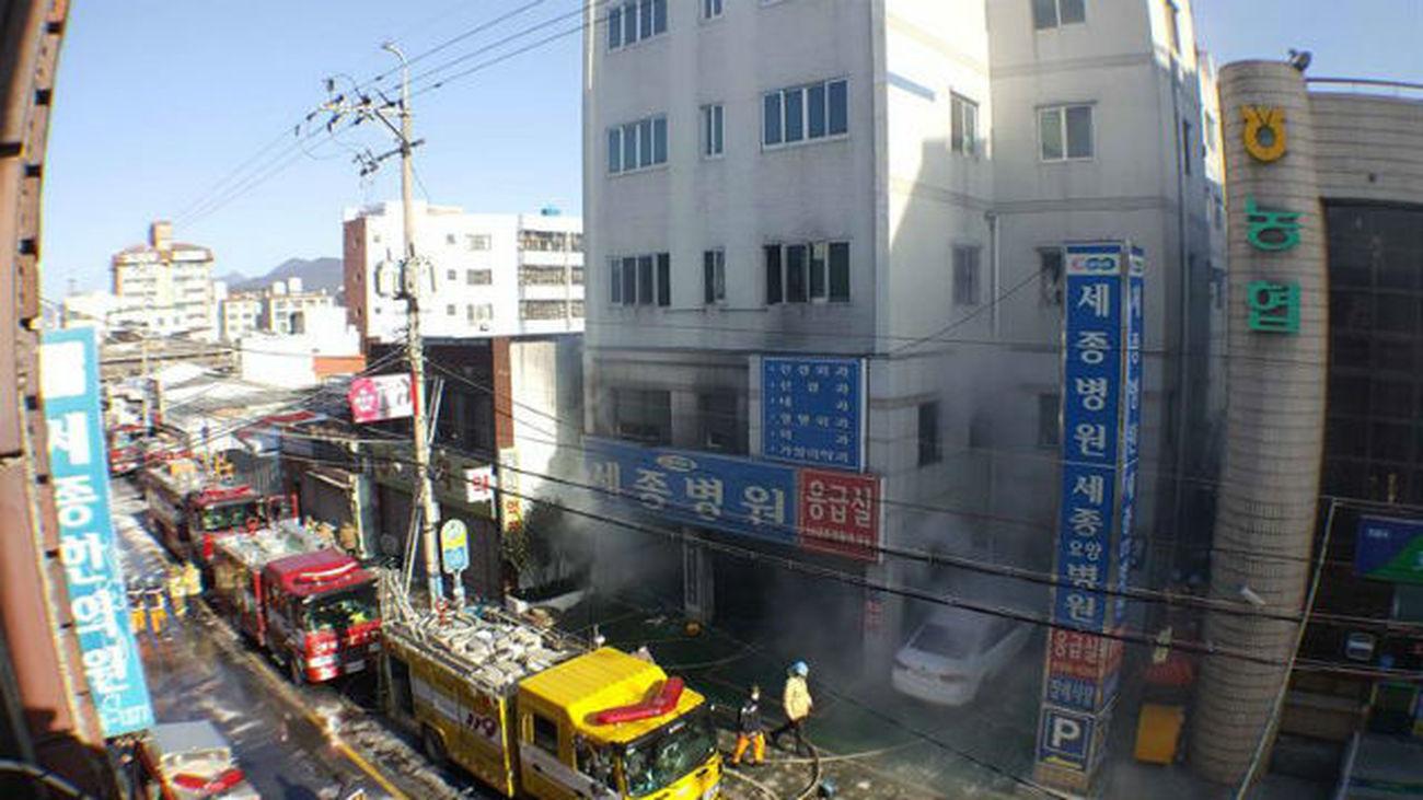 Hospital incendiado