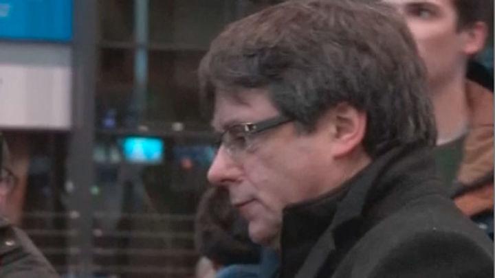 La Fiscalía alemana espera decidir sobre extradición de Puigdemont el martes