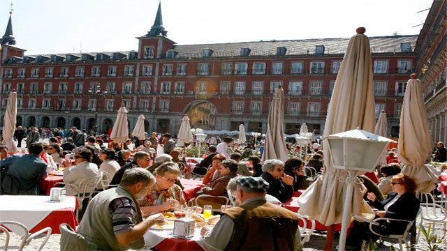 España recibe en 2017 la cifra récord de 81,8 millones de turistas