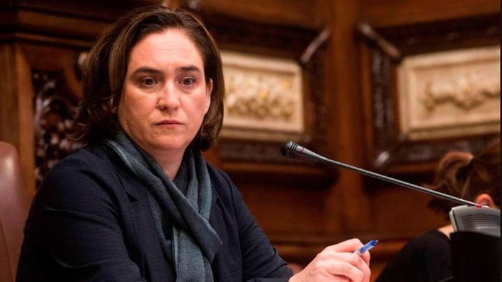 Colau pierde la cuestión de confianza y reta a la oposición a proponer otro alcalde