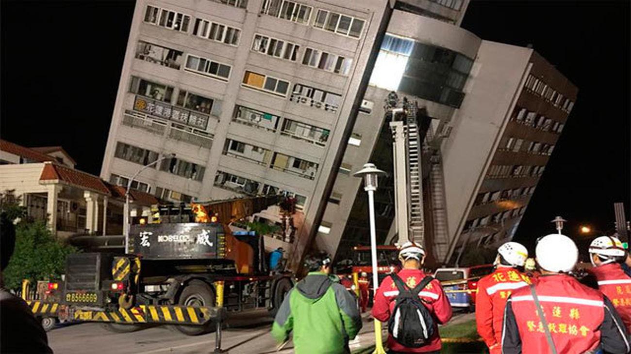 Al menos dos muertos y 150 heridos por terremoto de magnitud 6,4 en Taiwán