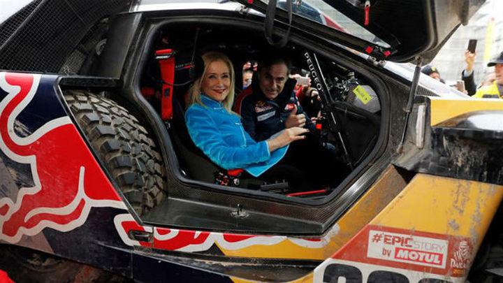 La Comunidad homenajea a Carlos Sainz tras ganar su segundo Rally Dakar
