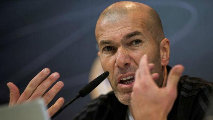 """Zidane: """"Quiero a Isco y que se quede toda la vida aquí"""""""