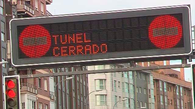 Señalización de tunel cerrado