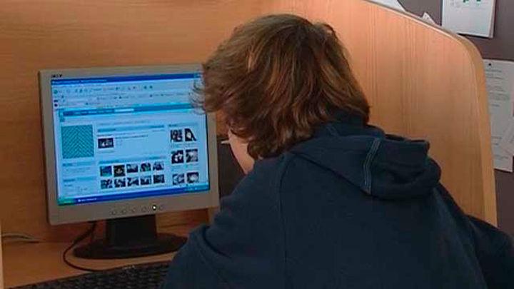 La Estrategia Nacional de Adicciones incorpora las nuevas tecnologías y las redes sociales