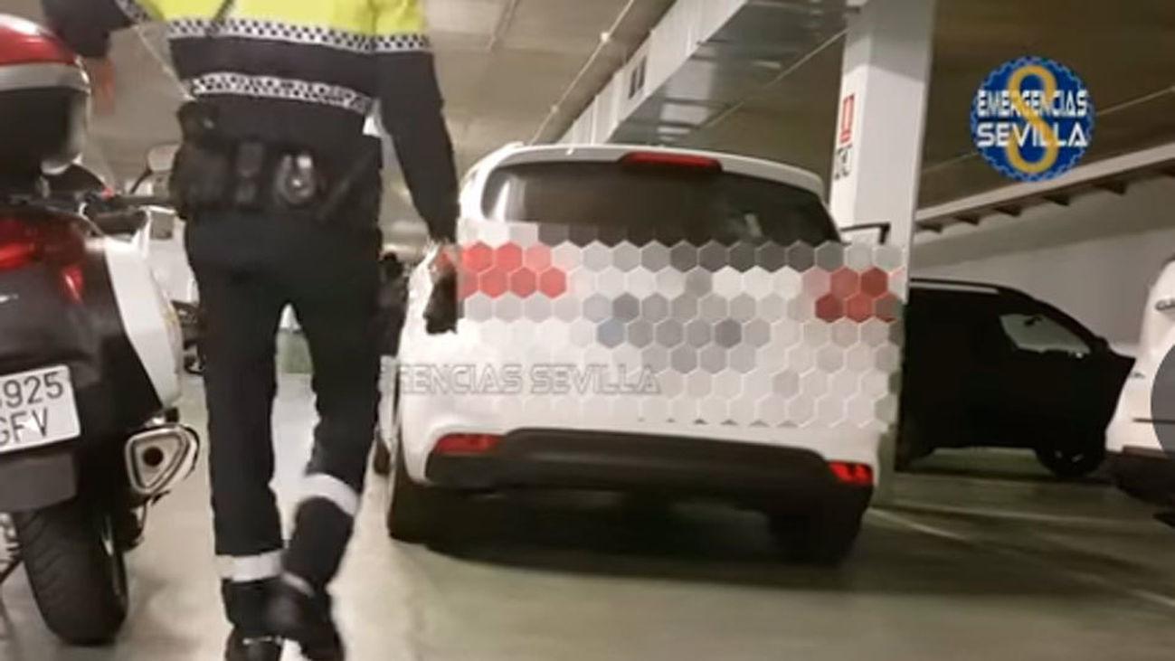 Dos taxistas denunciados en Sevilla por trucar el contador para elevar el precio