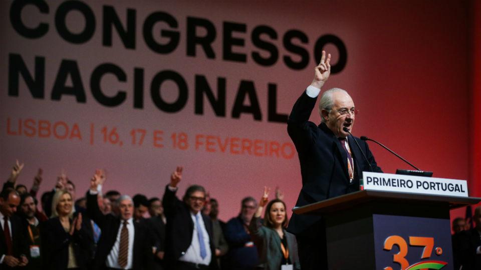 Rui Rio asume liderazgo del conservador PSD con la meta de gobernar Portugal