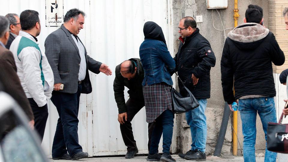Hallan los restos del avión iraní desaparecido el domingo con 66 personas a bordo