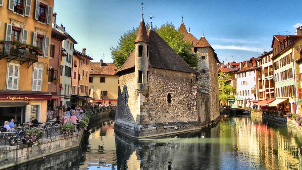 El palacio de la Isla de Annecy, un trocito de la historia de Francia