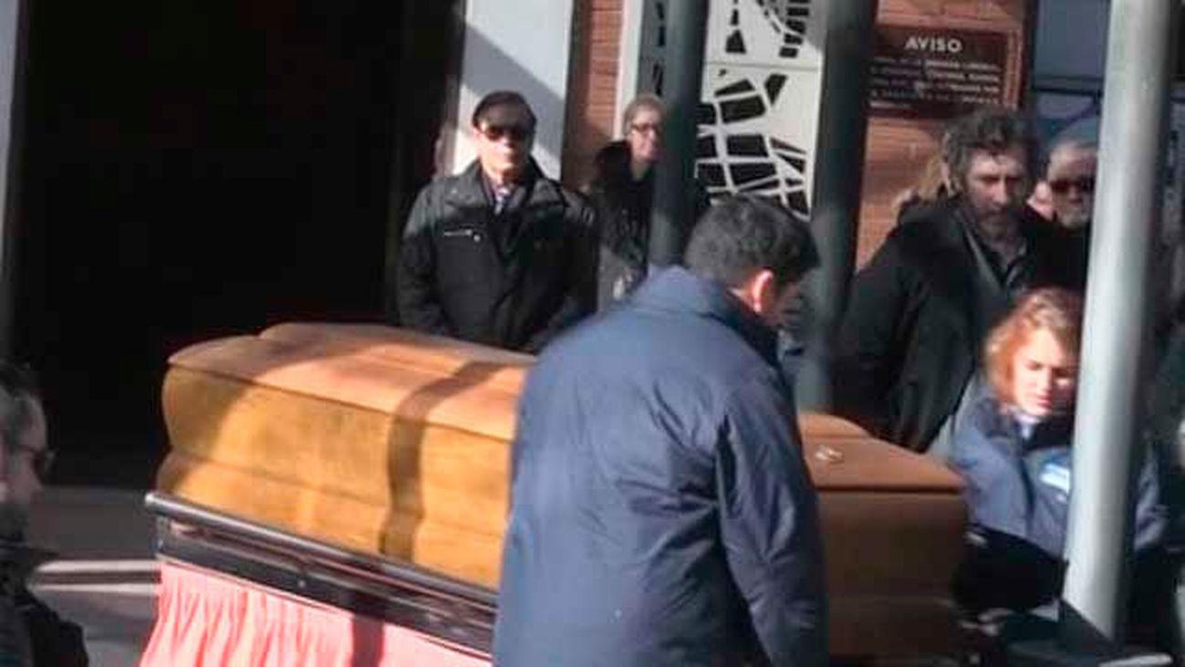 El dibujante y humorista Forges es incinerado en el Cementerio de la Almudena